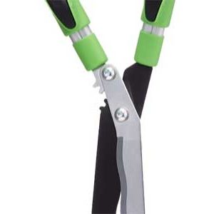 These telescopic shears from Grumpy Gardener feature adjustable handles and a geared hinge to help reduce the strain of cutting. Get even the tallest hedges into shape in an instant with these fantastic garden shears.